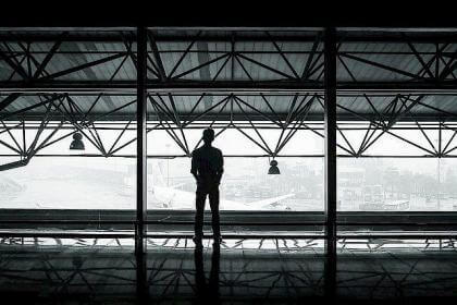 airport-351472_640.640x0